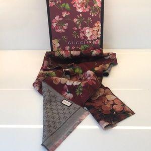 Gucci Wool Monogram GG Blooms Print Scarf
